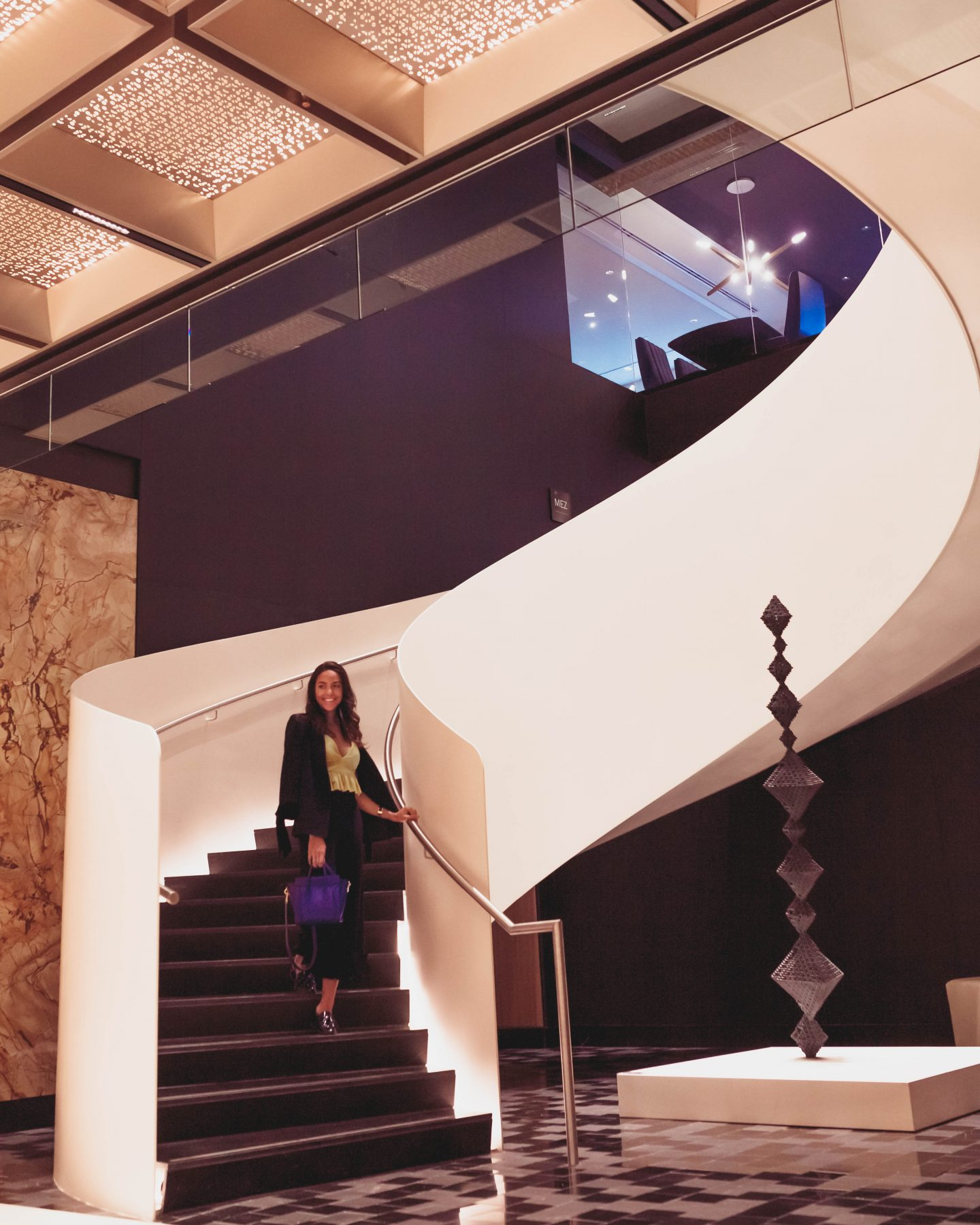 fairmont queen elizabeth lobby staircase