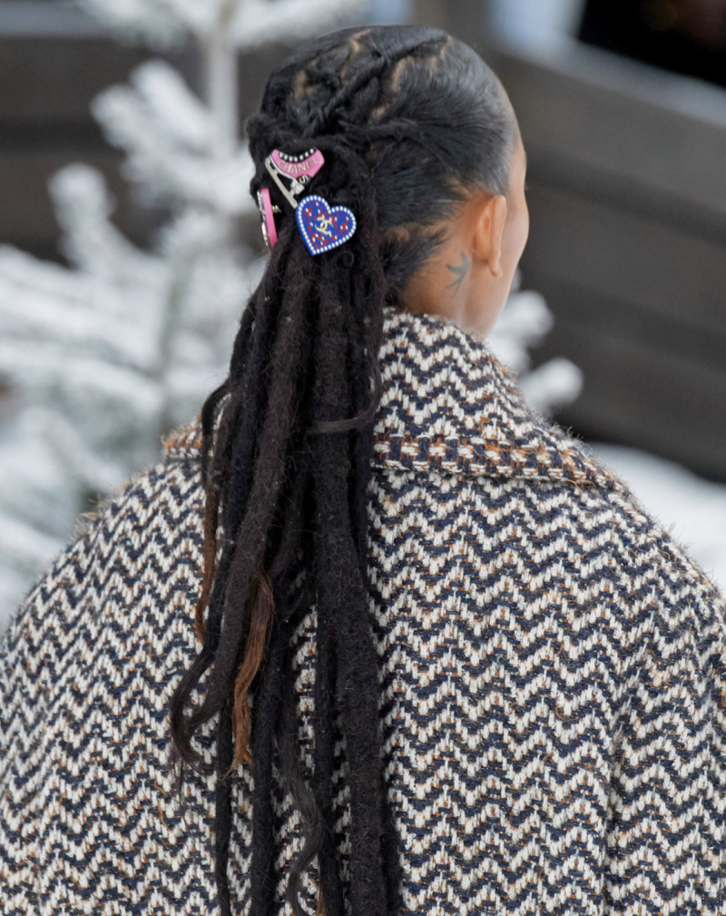chanel fall winter hair accessories