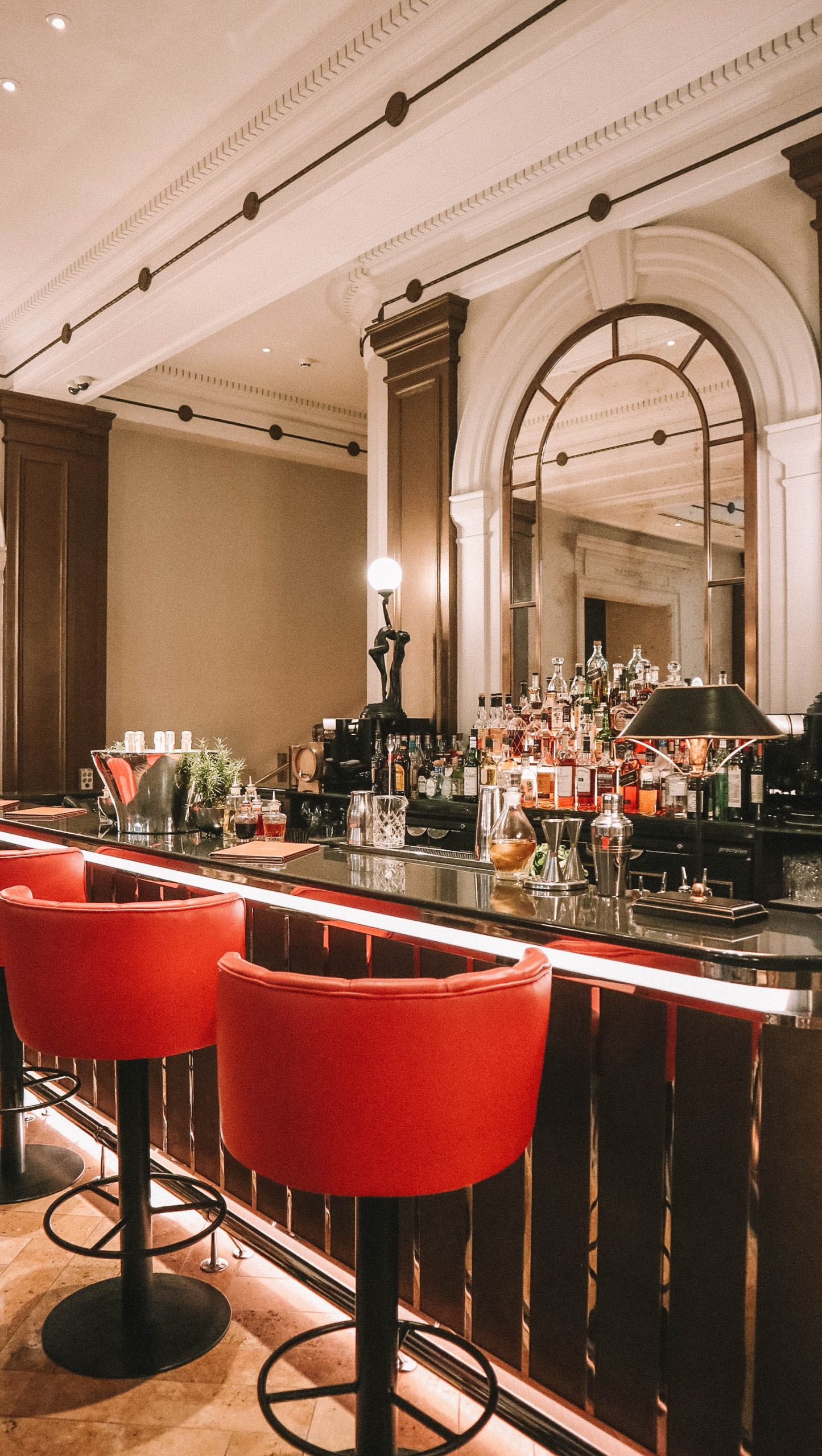 palm court bar in the sheraton hotel mayfair