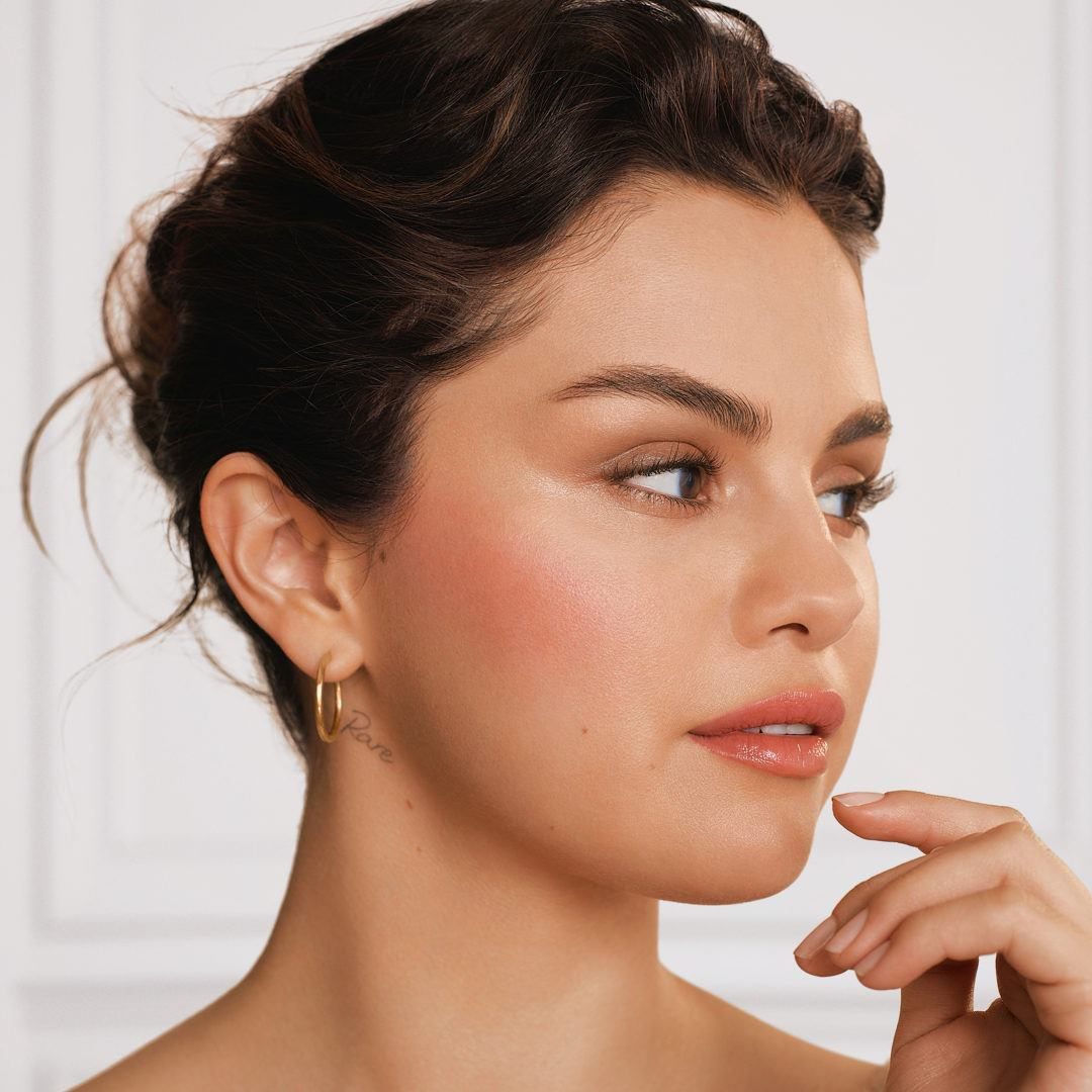 selena gomez wearing rare beauty liquid blush