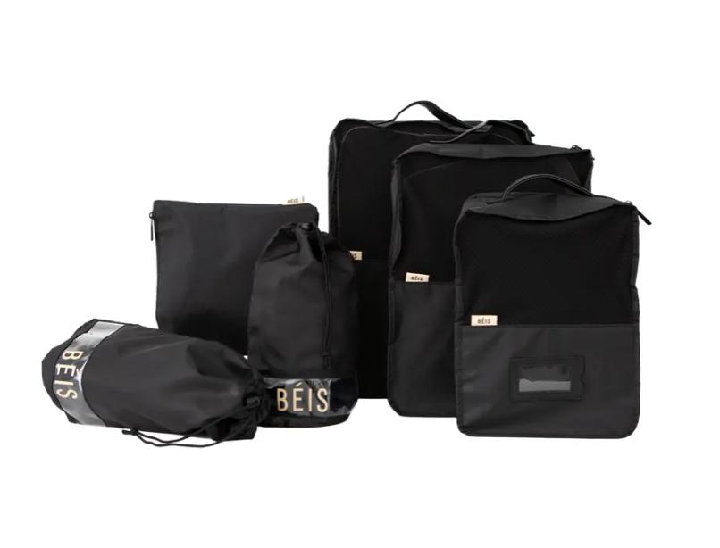 black travel packing cubes set