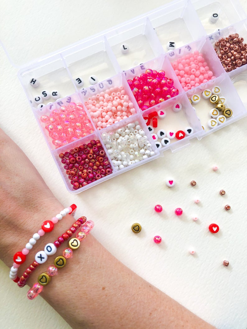 DIY stretchy bead bracelet kit
