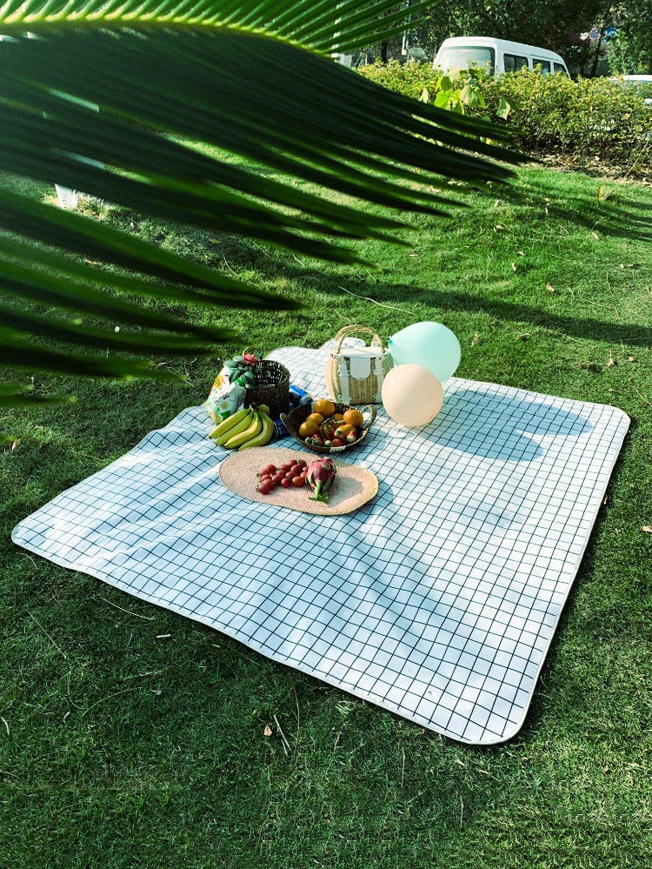 Plaid waterproof picnic blanket