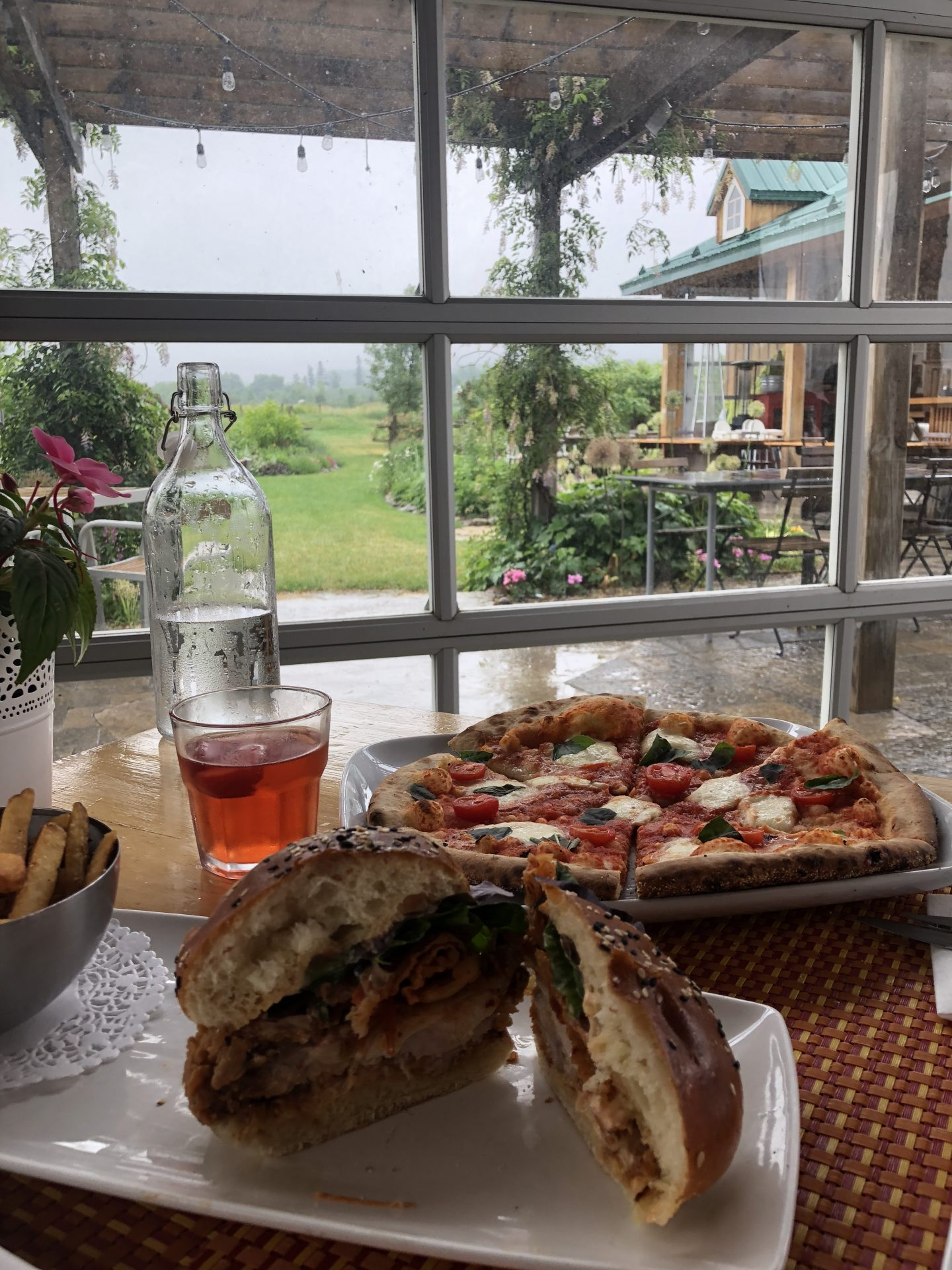 wood oven pizza and fried chicken sandwich