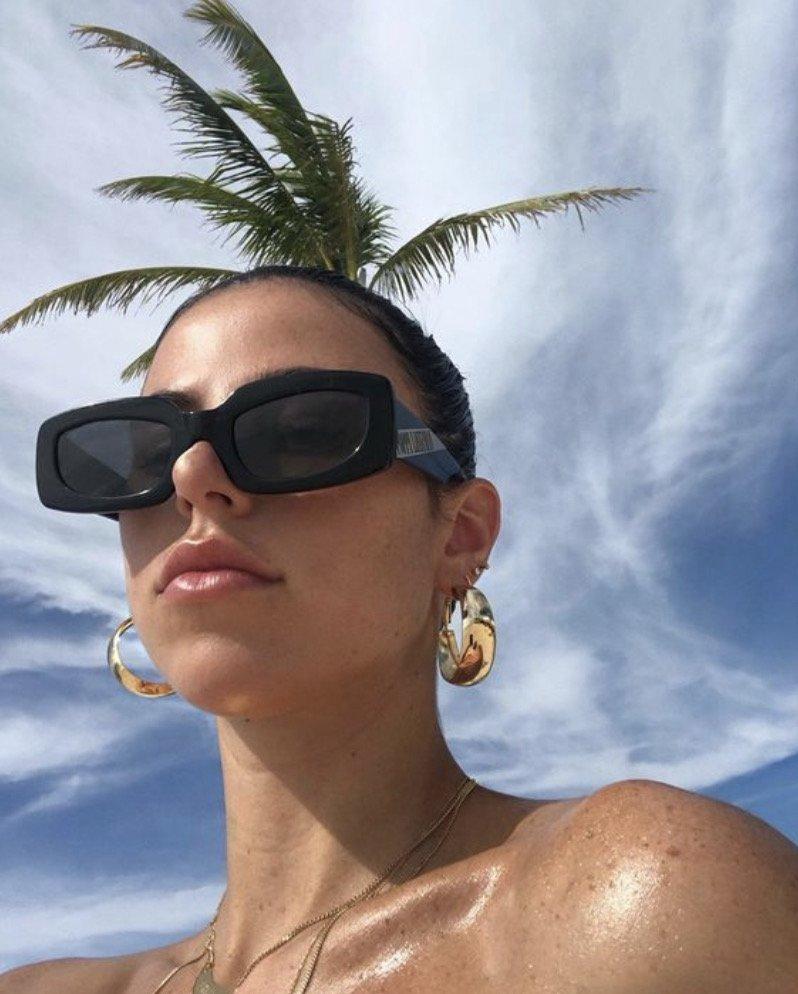 Victoria Villarroel selfie