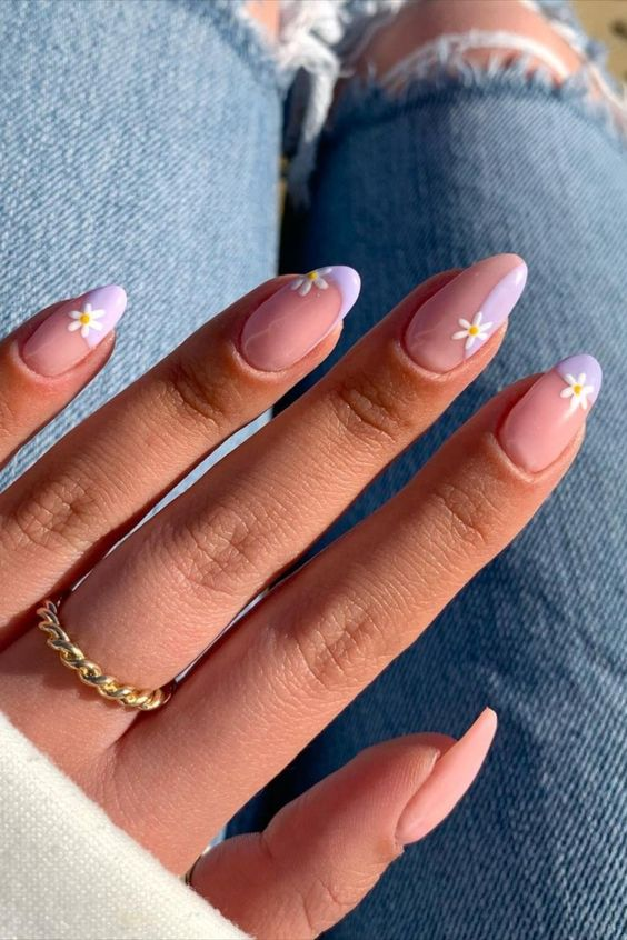 lilac daisy nails