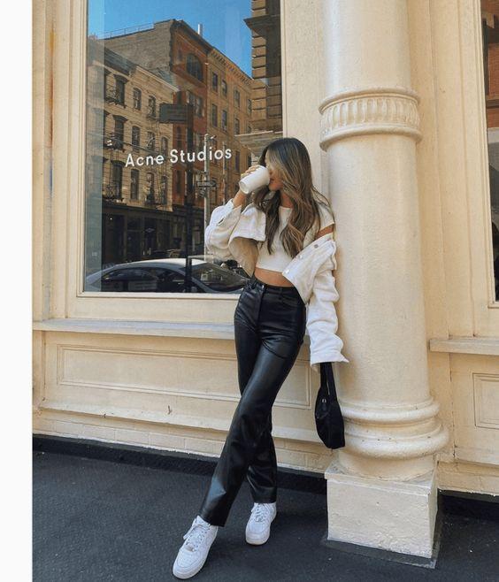 fashion blogger in soho New York